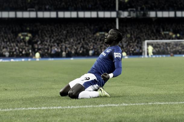 Oumar Niasse celebra la igualdad. Foto: twitter.com/Everton