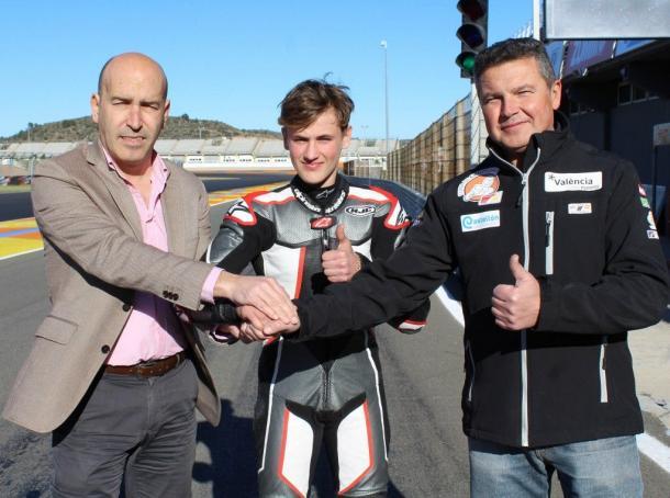 Jaume junto con Julián Miralles y Gonzalo Gobert. Foto: Circuit Valencia.