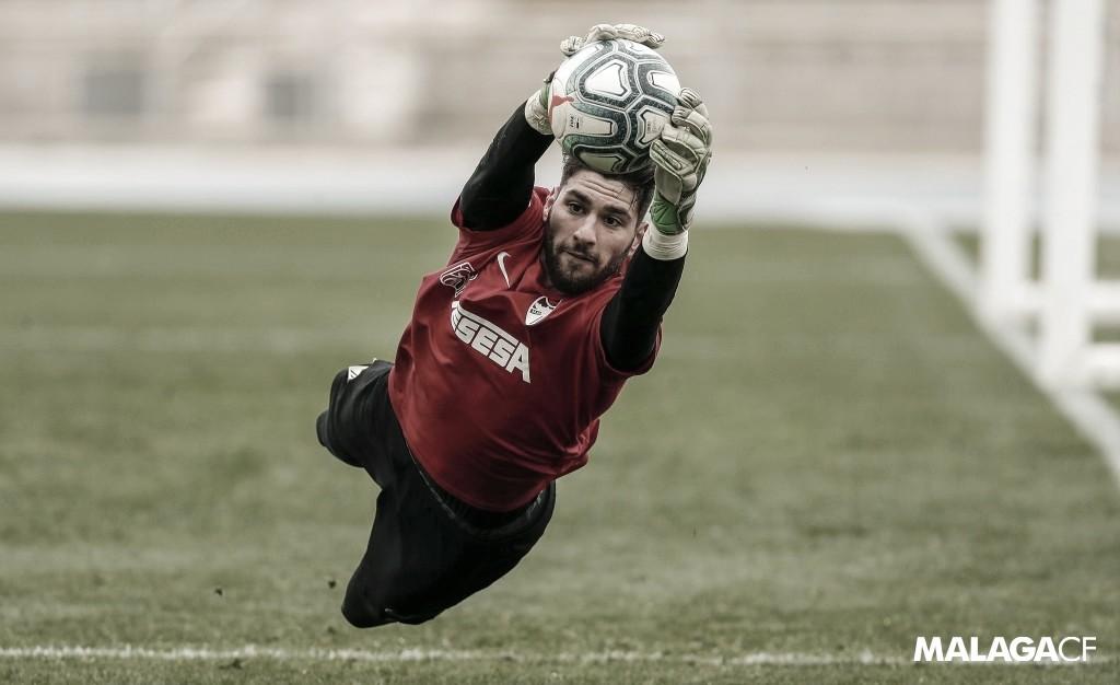 Gonzalo Crettaz, guardameta del Atlético Malagueño entrenando con el Málaga CF