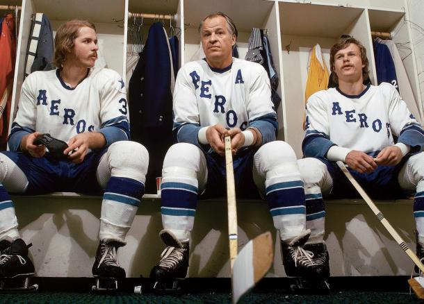 Gordie Howe with his sons Mark and Marty 1974 Houston Aeros (Photo credit: Sports Illustrated)