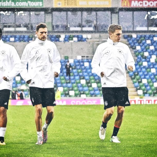 Leon Goretzka y Matthias Ginter en el entrenamiento de Alemania. Foto: DFB_Team
