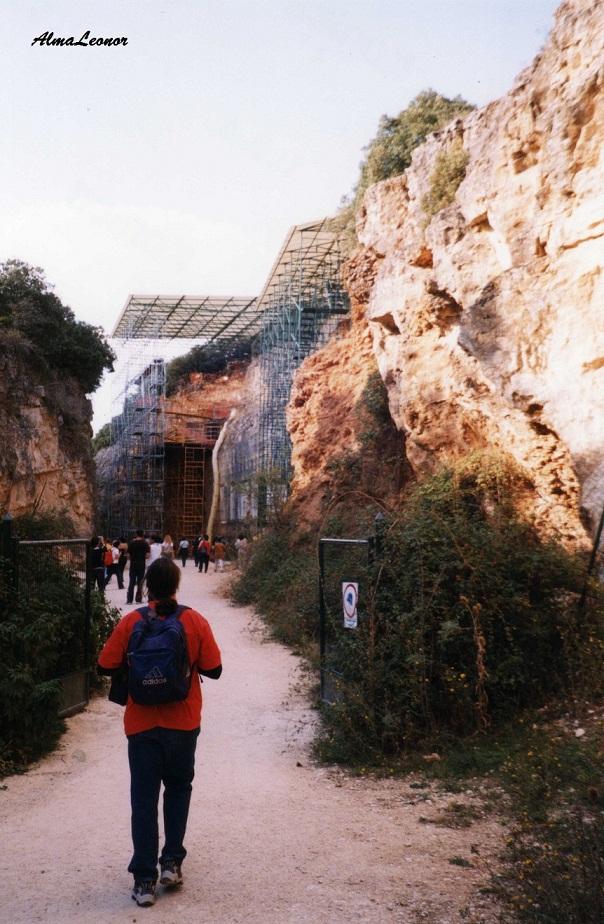 Entrada a la Trinchera del Ferrocarril del Yacimiento de Atapuerca (Fotografía: AlmaLeonor, de VAVEL-Historia)