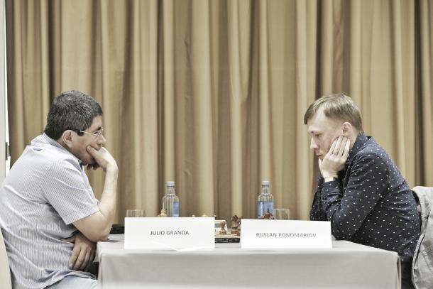 Granda frente a Ponomariov, los dos primeros clasificados.    Foto: Madrid Chess Academy