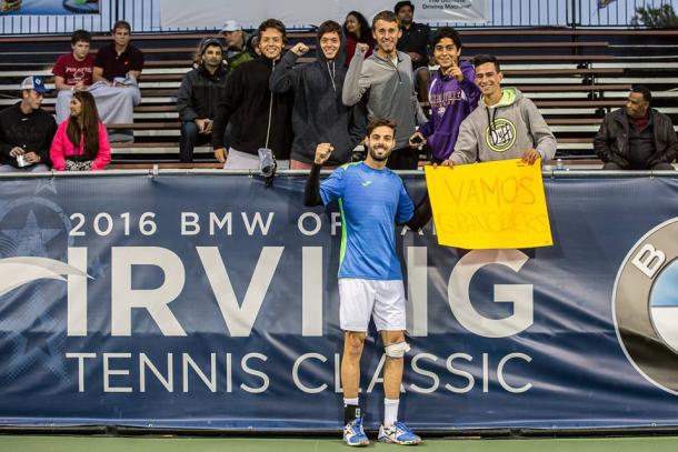Marcel Granollers celebrates with some Spanish fans in Irving (Photo: Tessa Kolodny)
