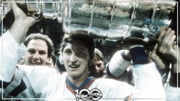 Gretzky con la Stanley Cup temporada 84/85 | Foto: NHL.com