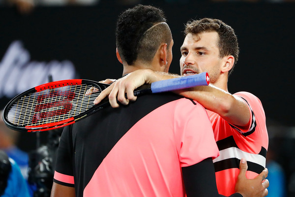 Dimitrov and Kyrgios had a good embrace at the net after the encounter | Photo: Michael Dodge/Getty Images AsiaPac