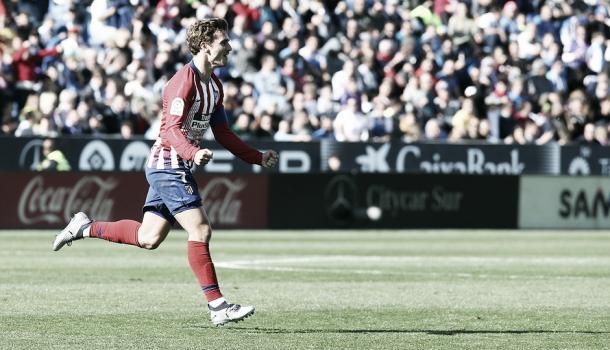 Celebracón de Griezmann tras su golazo de falta/ Foto: Club Atlético de Madrid.