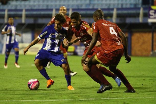 Derrota para Hercílio Luz, em casa, praticamente tirou o Leão da briga pelo título estadual (Foto: Jamira Furlani/Avaí FC)