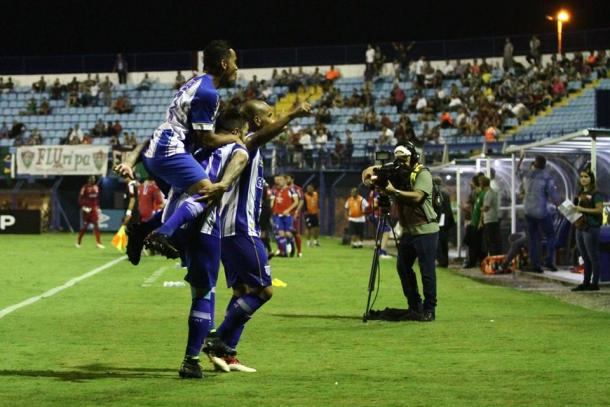Avaí venceu duas vezes o Fluminense na Copa do Brasil: na Ressacada, 1 a 0 (Foto: Jamira Furlani/Avaí FC)