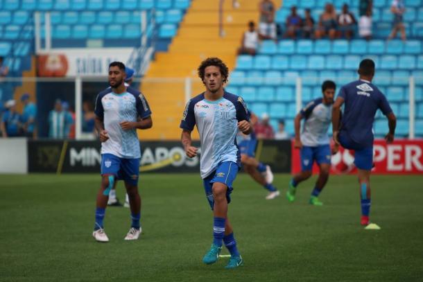 Guga é titular absoluto na lateral-direita do Avaí (Foto: Jamira Furlani/Avaí FC)