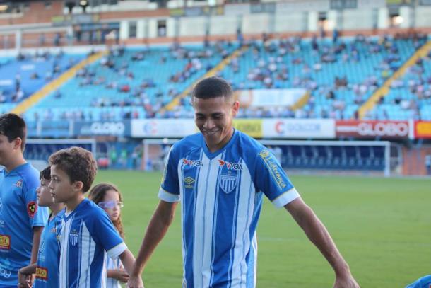 João Paulo é o destaque do Avaí no meio-campo e foi eleito craque do Catarinense (Foto: Frederico Tadeu/AvaÍ FC)