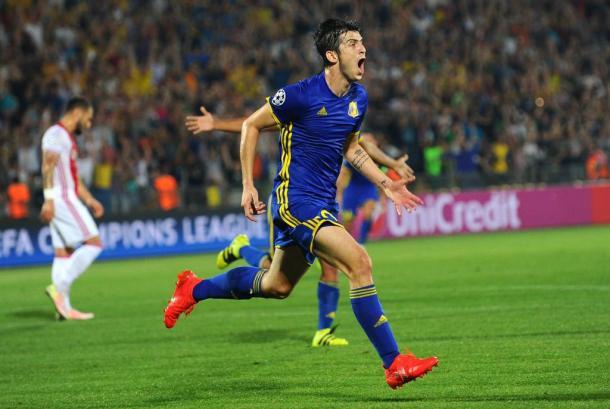Azmoun celebrando su gol al Ajax | Foto: UEFA.