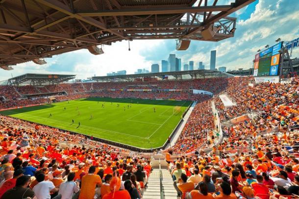 BBVA Stadium lleno hasta la bandera (archdaily.com)