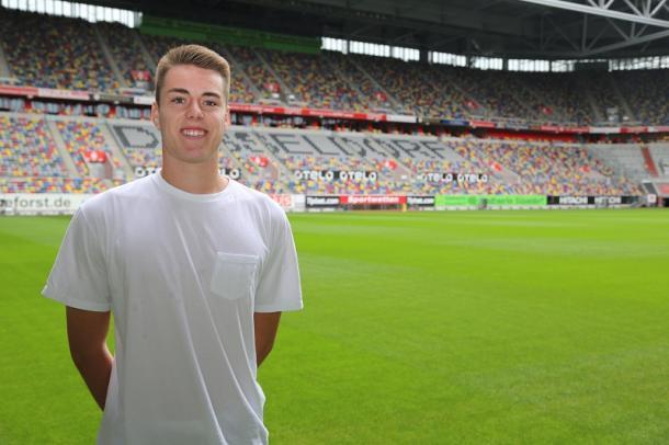 Justin Vom Steeg at his new home. | Photo: Fortuna Düsseldorf
