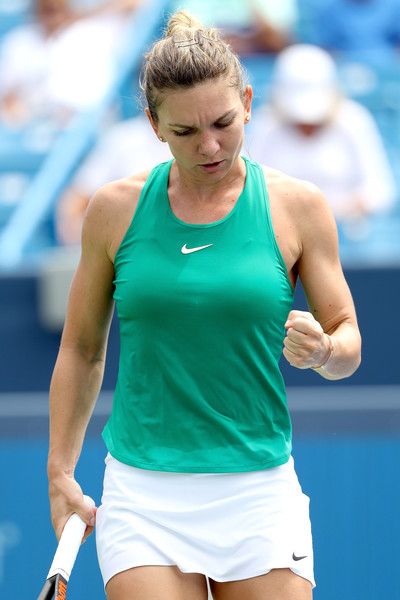 Simona Halep pumps her fist during the morning match on Friday. Photo: Matthew Stockman/Getty Images