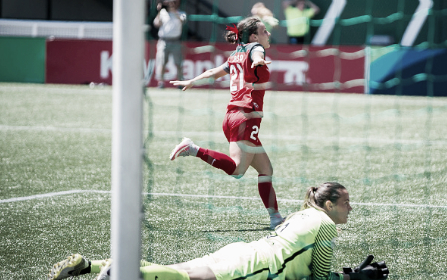 Raso celebrates a goal against the Houston Dash's Lydia Williams (Source: Getty - Icon Sportswire)