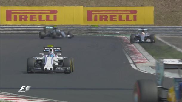 O erro de Hamilton que quase lhe custou a ponta (Foto: Divulgação/F1)
