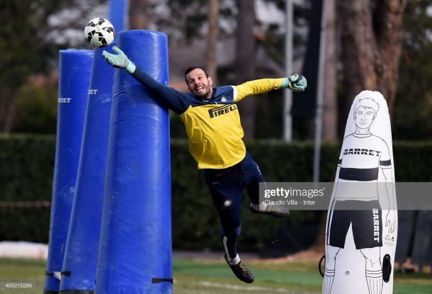 Samir Handanovic mostrando su capacidad para volar / Foto: Getty Images