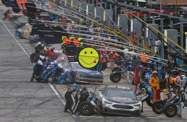 Harvick makes a pit stop. (Brian Lawdermilk/Getty Images North America)