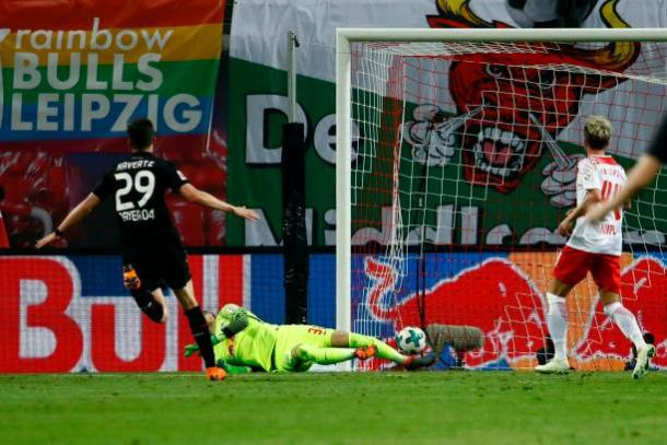 Havertz (esq.) fez um belo gol para empatar o jogo (Foto: Odd Andersen/AFP via Getty Images)