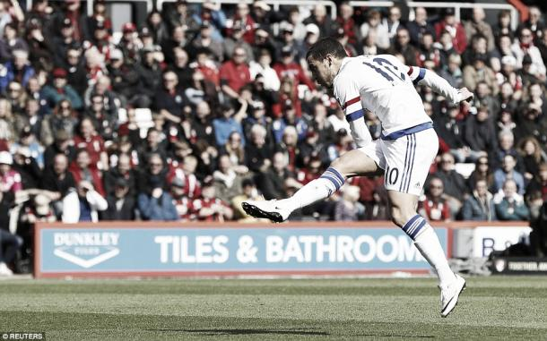 Above: Eden Hazard scoring in Chelsea's 4-1 over Bournemouth | Photo: Reuters