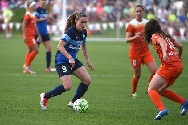 Heather O'Reilly in action against the Houston Dash | FC Kansas City Twitter - @FCKansasCity