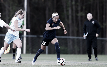 Jaelene Hinkle capped her return to action with an assist (Source: Getty - Icon Sportswire)