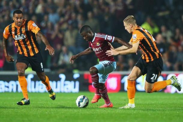 Dawson lucha un balón en el encuentro ante el West Ham. Foto: Getty Images