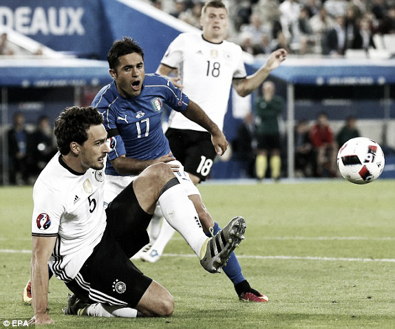 Mats Hummels in action against Eder in Germany's win over Italy | Photo: EPA