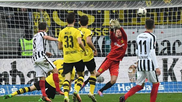 Huszti marca el primero del Eintracht (Foto bundesliga.de)