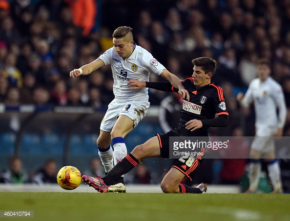 Hyndman in action for Fulham (right) in a Championship game away at Leeds United. (Photo via Getty Images/Clint Hughes)