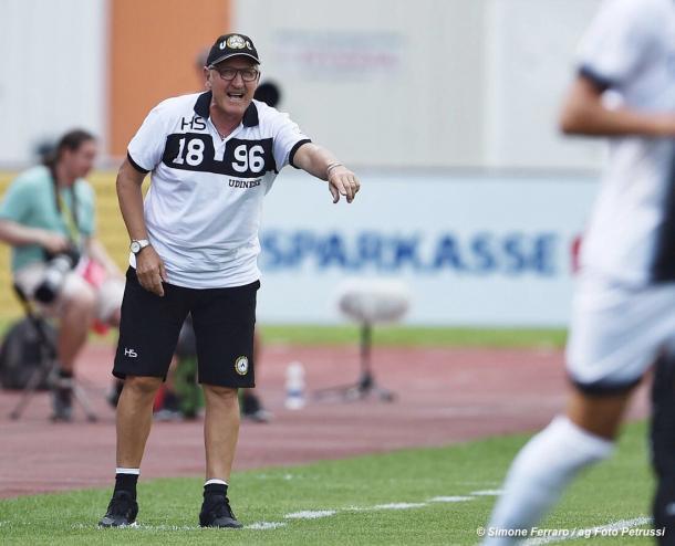 Mister Delneri in precampionato. Fonte: https://www.facebook.com/UdineseCalcio1896