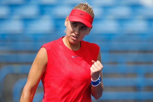 Elena Vesnina celebrates winning a point | Photo: Connecticut Open