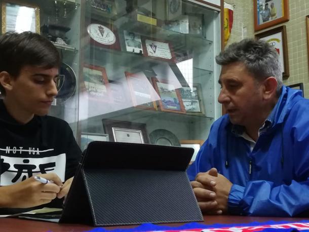 Presidente del Valdesoto respondiendo a las preguntas. | Imagen: Pelayo Rodríguez.