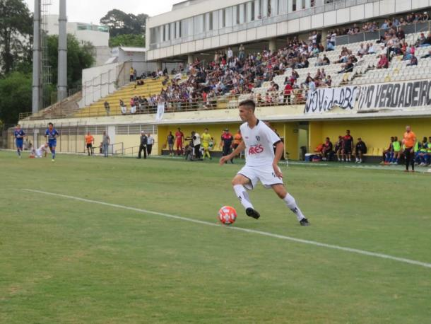 Felipe Sussai marcou seu primeiro gol na competição; ele foi promovido ao profissional recentemente (Foto: Reprodução/EC São Bernardo)