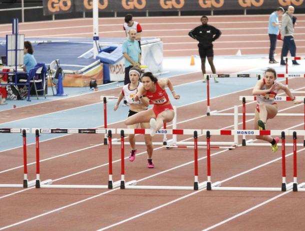 Lucía Alonso durante una competición en Gallur.
