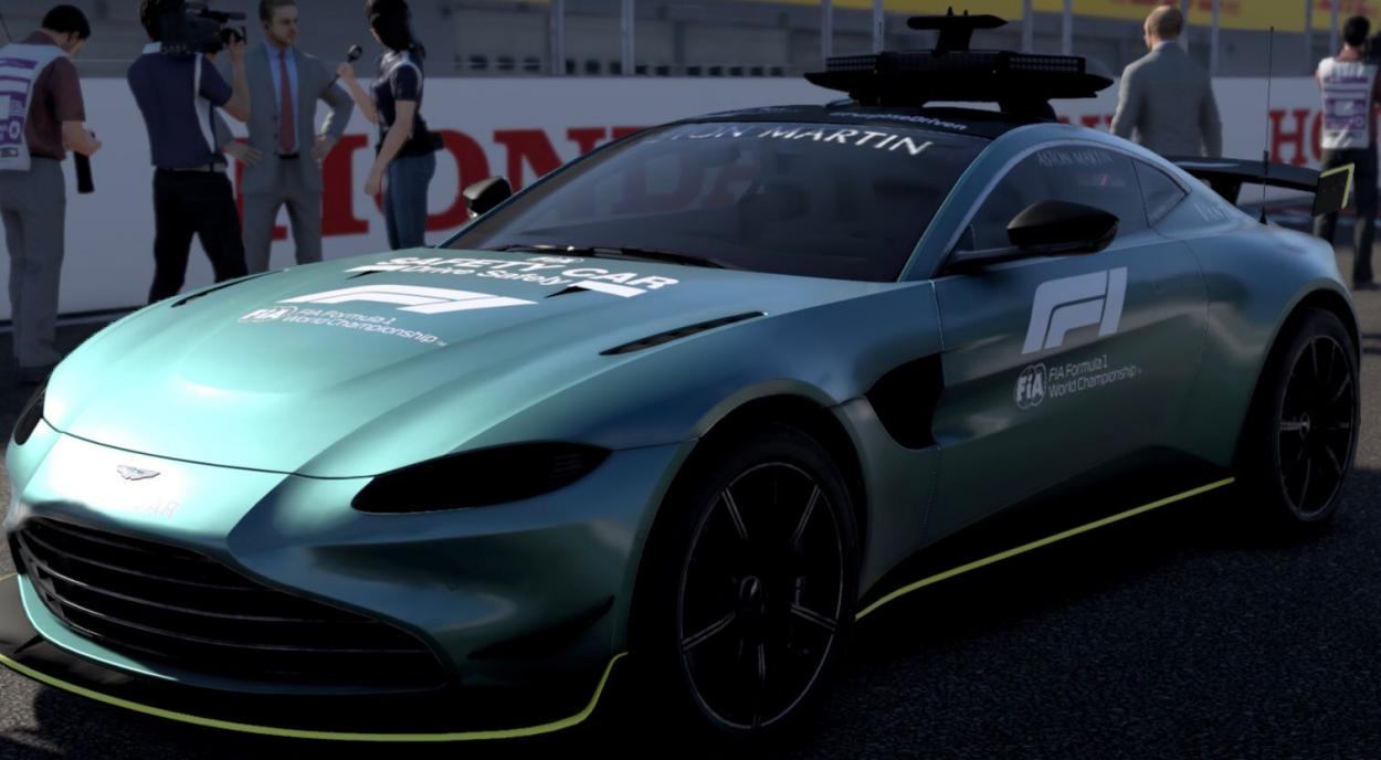 El nuevo <strong><a  data-cke-saved-href='https://vavel.com/ar/automovilismo/2021/09/16/1086099-de-reserva-a-ganar-un-gran-premio.html' href='https://vavel.com/ar/automovilismo/2021/09/16/1086099-de-reserva-a-ganar-un-gran-premio.html'>Safety Car</a></strong> de Aston Martin haciendo su estreno en la liga: Foto Fede Mileta
