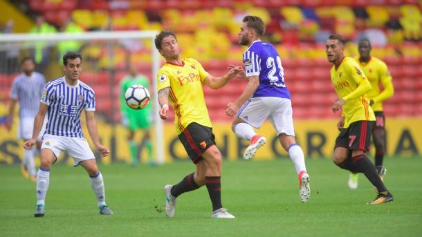 Janmaat disputando el balón en pretemporada | Imagen: Watford FC