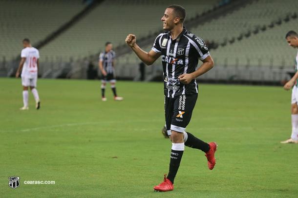 Arthur começou a temporada como reserva, mas assumiu a titularidade com o tempo e reafirmou seu lugar (Foto: Mauro Jefferson / CearaSC.com)