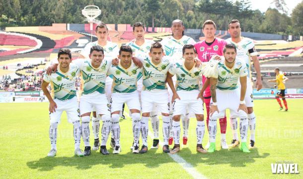 Potros UAEM previo al inicio del partido.