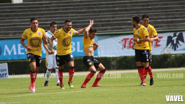 Celebración del primer gol del partido.