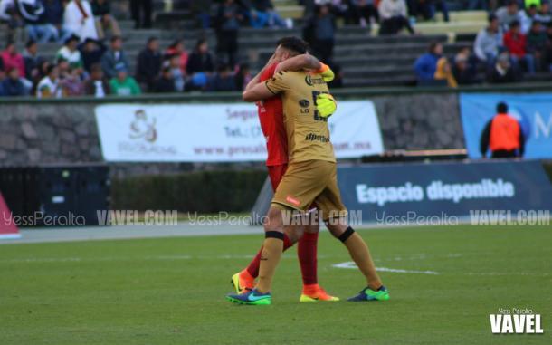 Festejo de Dorados por el gol del descuento en su equipo