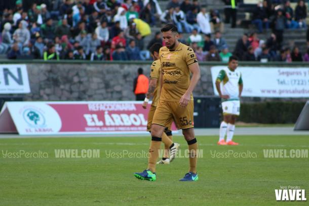 Elio Castro concentrado en darle la vuelta al partido