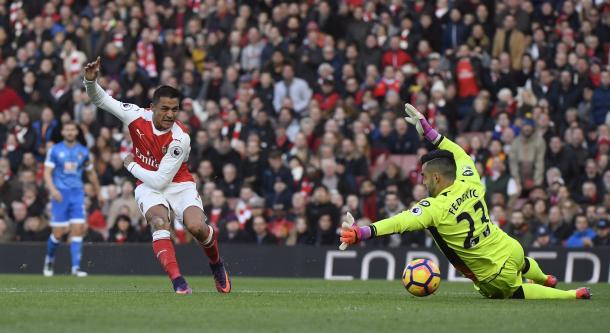Alexis abrió el marcador. Foto Premier League.