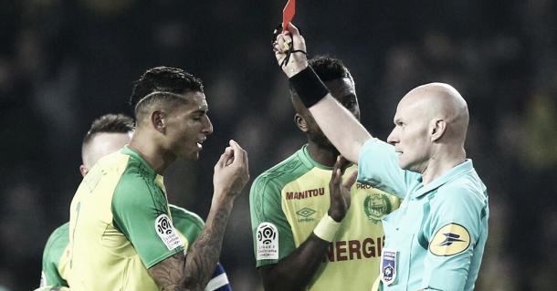 El momento de la insólita expulsión   Foto: UEFA