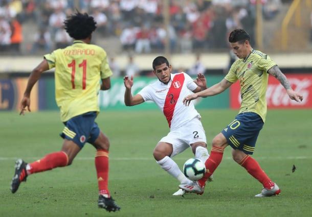Luis Abram, defensor central titular en el debut frente a Venezuela.   Fuente: Twitter.
