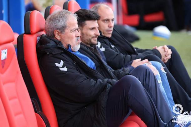 Antonio Iriondo junto a su cuerpo técnico // Fotografía: La Liga