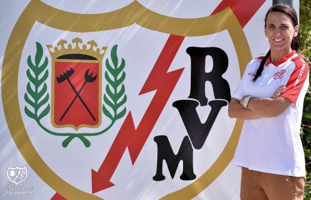 Jéssica Rodríguez en su presentación con el Rayo Vallecano. | Foto: Rayo Vallecano S.A.D.