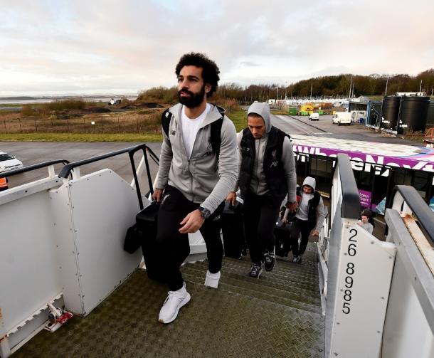 Salah, seguido pelo zaueiro Van Dijk (Foto: Reprodução / Liverpool FC)