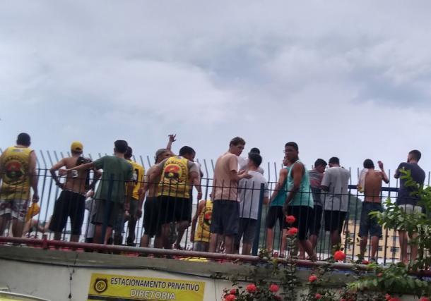 Organizada do Madureira ficou fora do setor Social. (Foto: Edilson Dias)